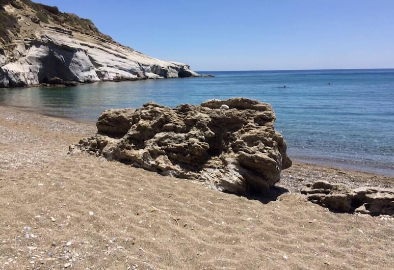 Elena's Beach Garden by Checkin, Ierapetra, Strand