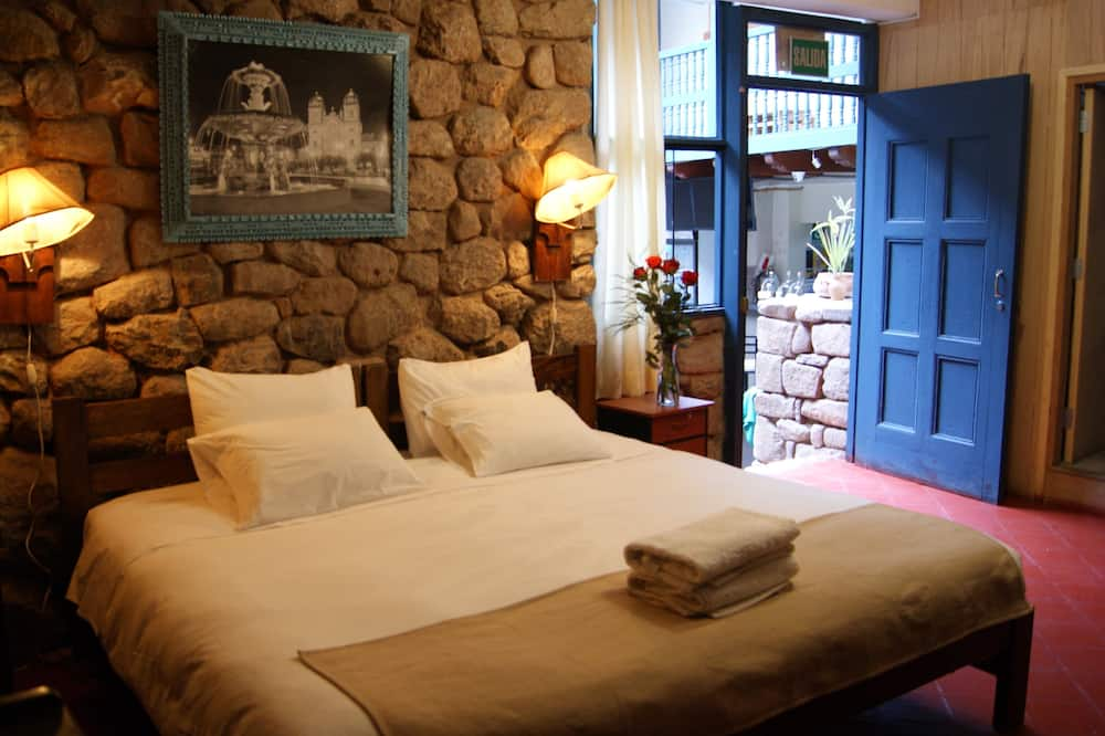 Classic Double Room, 1 King Bed - Guest Room