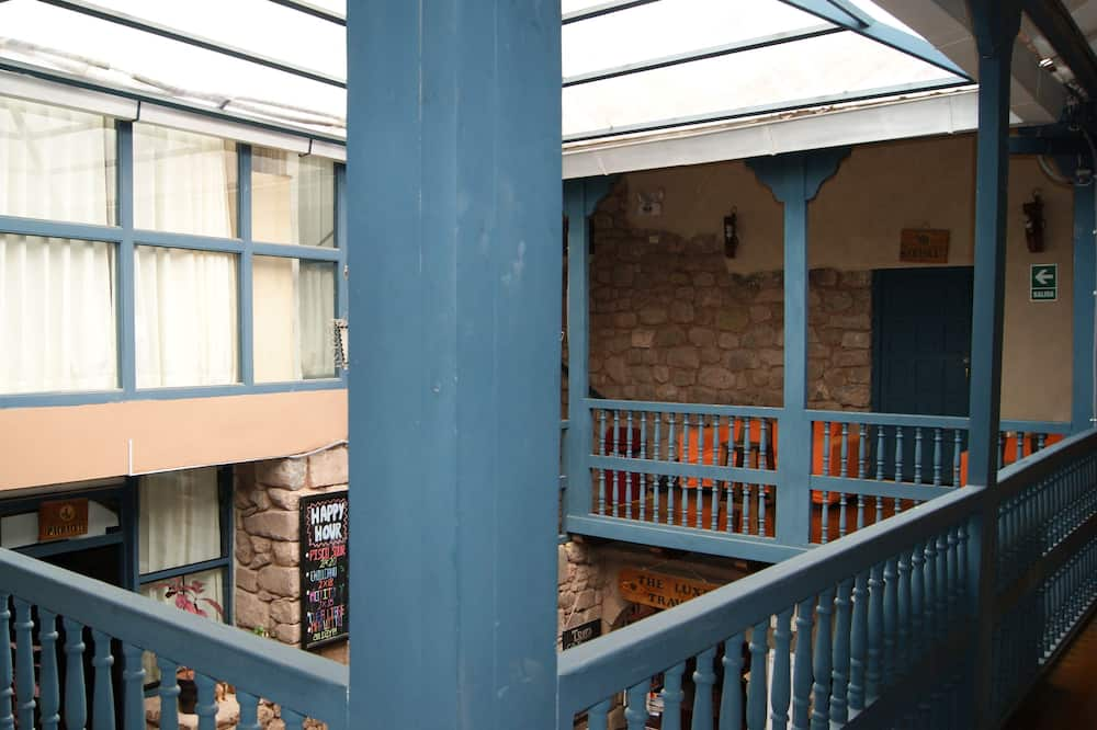 Classic Shared Dormitory, Mixed Dorm, Private Bathroom, Courtyard Area - Balcony