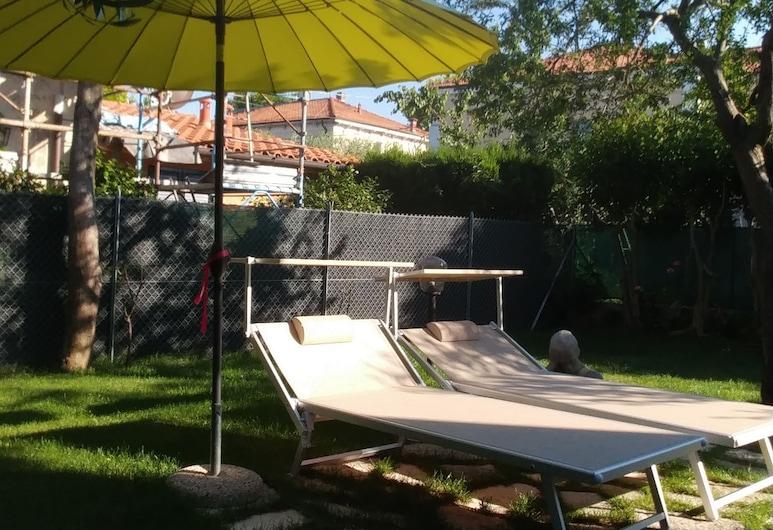 Villa Liberty B&B, פאנו, גינה