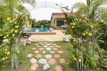 Picture of OYO 949 Sansuk Resort Paknampran in Pranburi