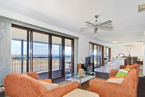 莫亞娜海灘別墅飯店/