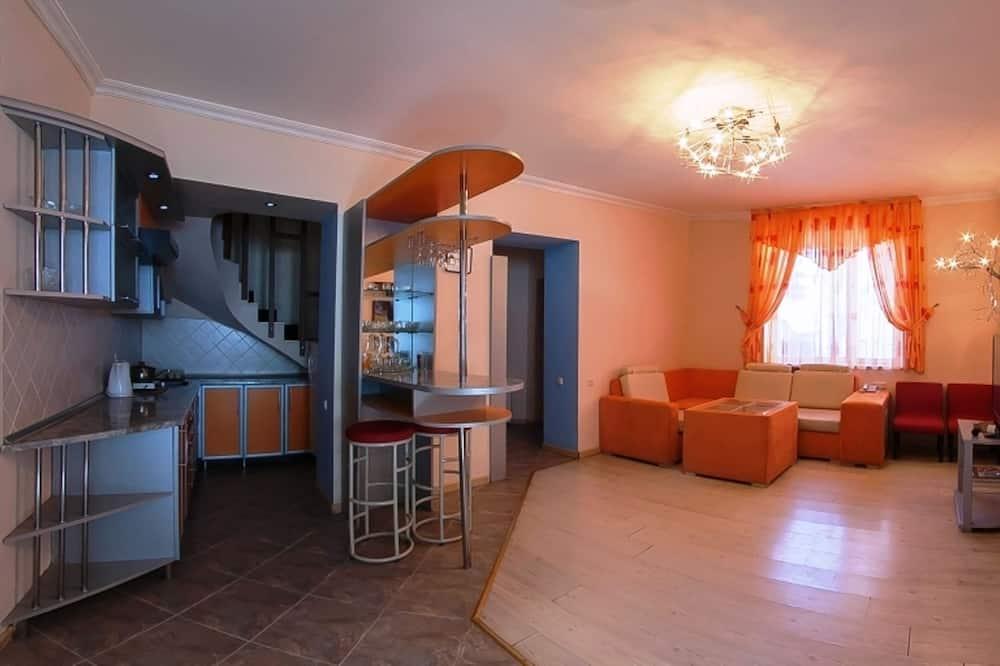 คอมฟอร์ทอพาร์ทเมนท์, 2 ห้องนอน - พื้นที่นั่งเล่น