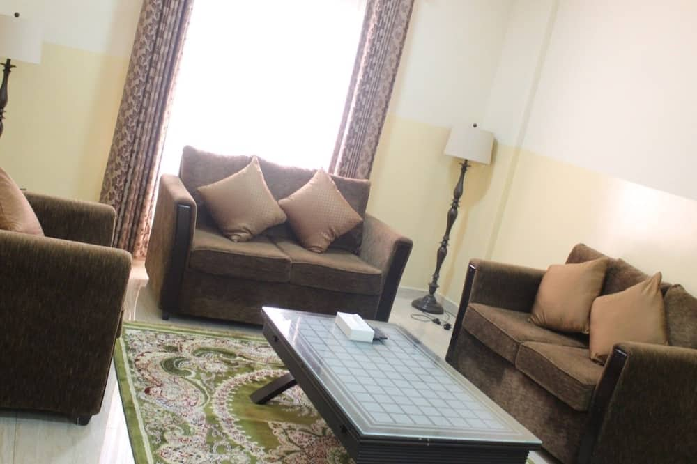 Deluxe Apartment, 2 Bedrooms, Non Smoking, City View - Living Room