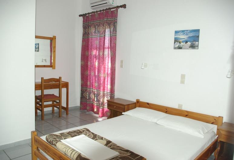 Youth Hostel Anna, Thira, Trojlôžková izba, Hosťovská izba