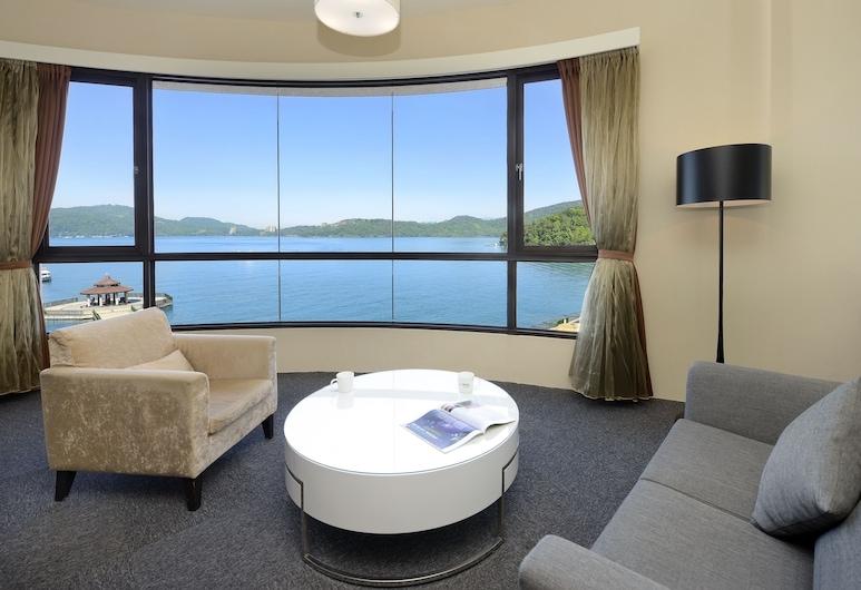Hu Yue Lakeview Hotel, Ючі, Розкішний двомісний номер, 1 ліжко «кінг-сайз», з видом на озеро, Номер