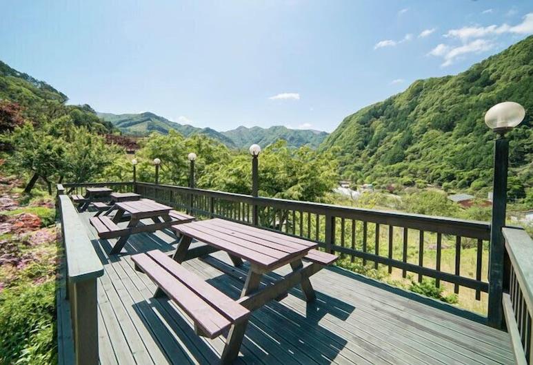 Danyang Sobaeksan Jarack Pension, Danyang, Terrasse/veranda