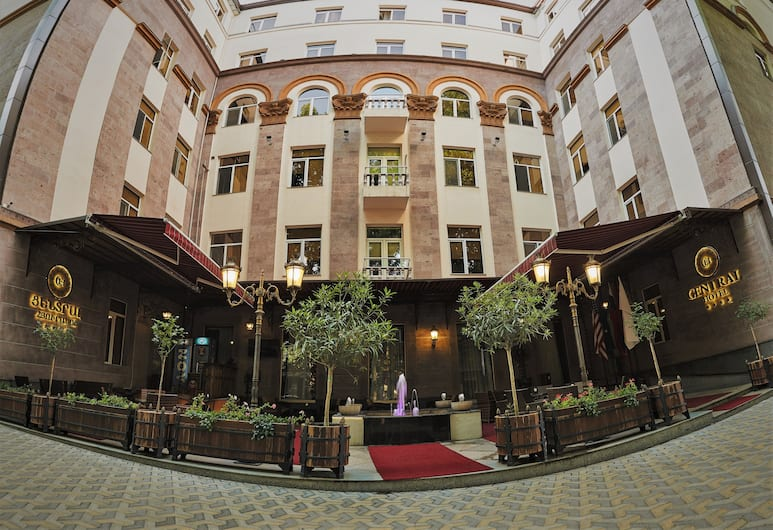 Central Hotel, Yerevan, Voorkant hotel
