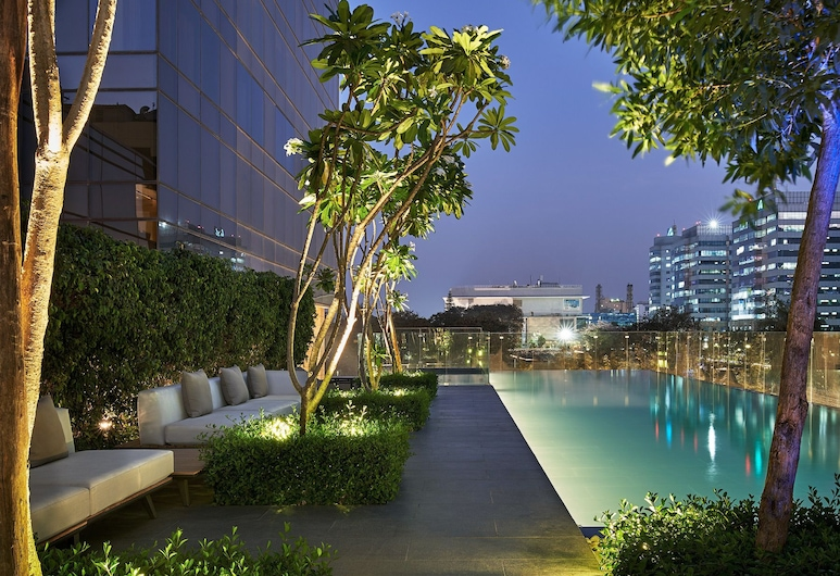 The Den Bengaluru, Bengaluru, Infinity Pool