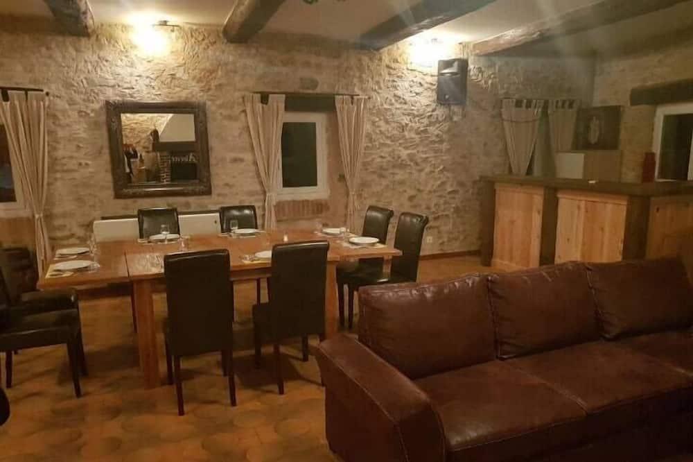 Departamento familiar, 1 habitación, para no fumadores, vista a la piscina - Sala de estar