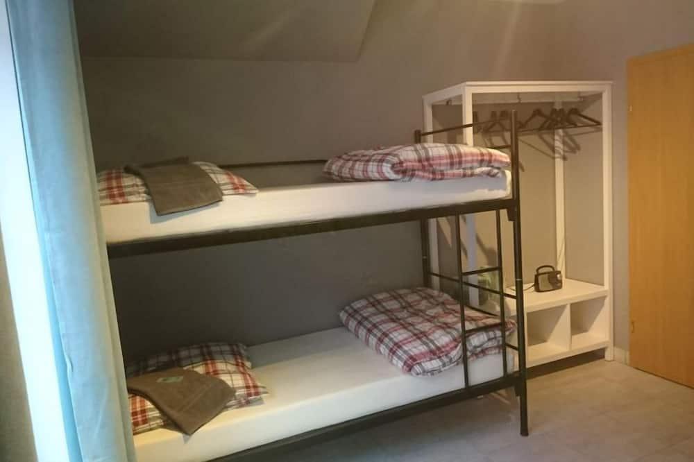 Quadruple Room, Shared Bathroom - Living Area