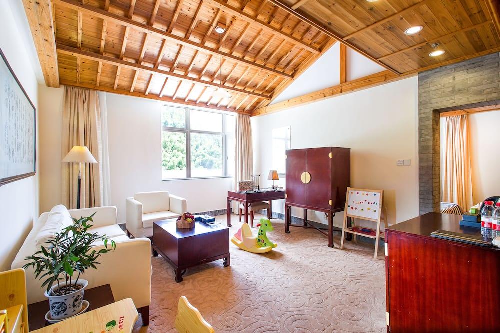 Junior Family Suite - Living Room