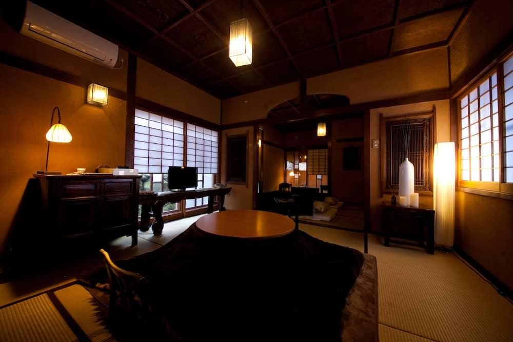 Habitación tradicional, en edificio anexo (Japanese-Style, Adult Only (Kan)) - Servicio de comidas en la habitación