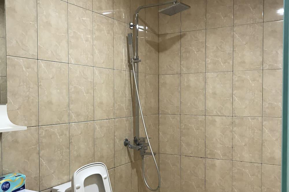Family Quadruple Room, 2 Double Beds - Bathroom