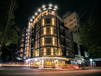 15 closest hotels to central market in phnom penh hotels com rh hotels com