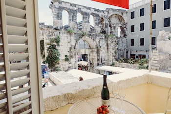 A(z) Villa Nepos Hotel hotel fényképe itt: Split