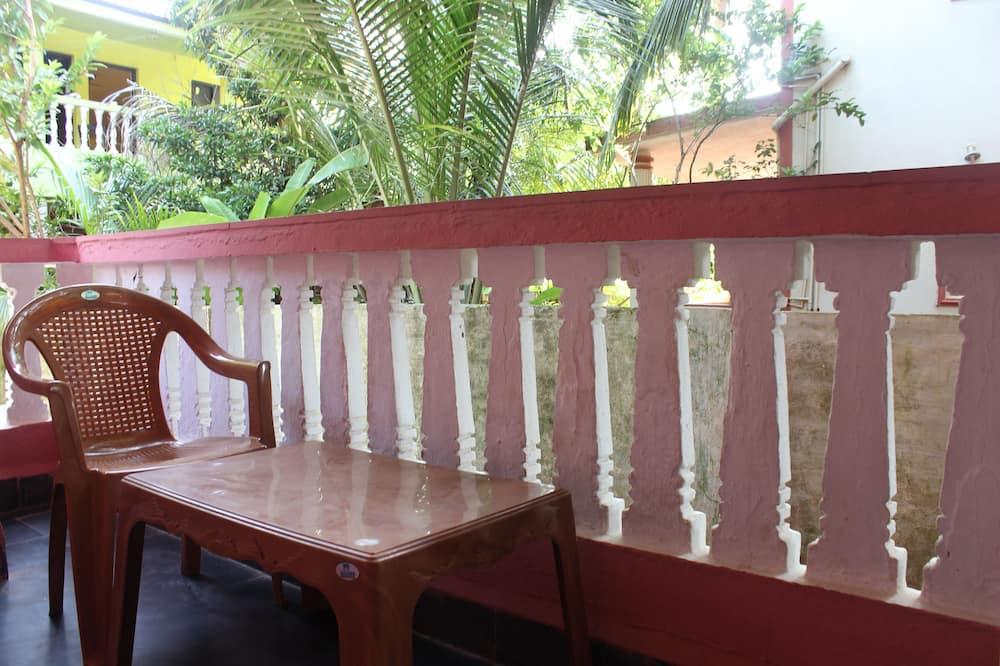 Kamar Double atau Twin Standar - Balkon