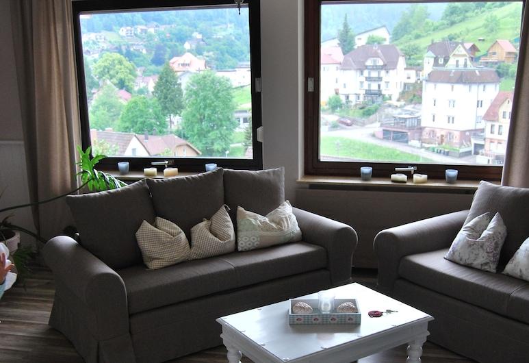 Haus der guten Freunde, Bad Wildbad, Comfort-huoneisto, 1 makuuhuone, Kaupunkinäköala, Olohuone