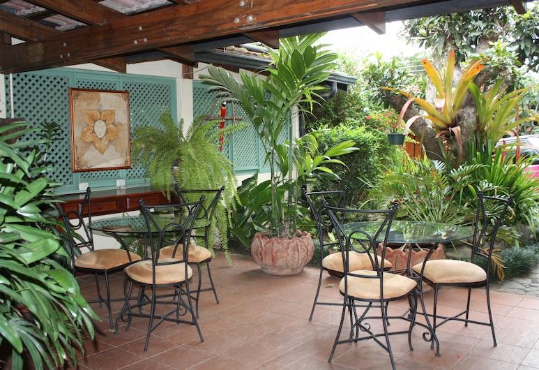 夢幻國度藝術開放式公寓民宿, 艾斯卡蘇, 室外用餐