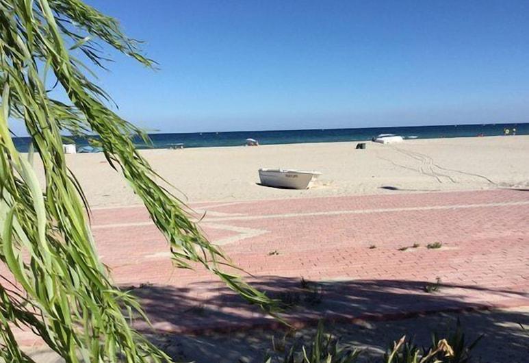 瑪維卡提希林科沃飯店, 馬爾馬拉埃雷利西, 海灘