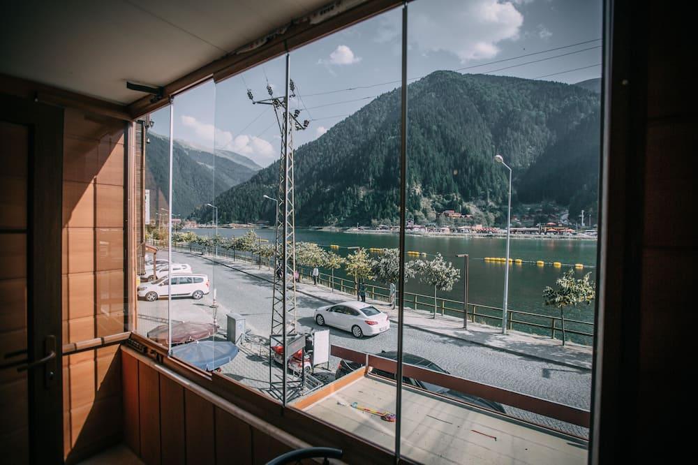 Premium Üç Kişilik Oda, 1 Yatak Odası, Göl Manzaralı, Göl Kenarı - Balkon