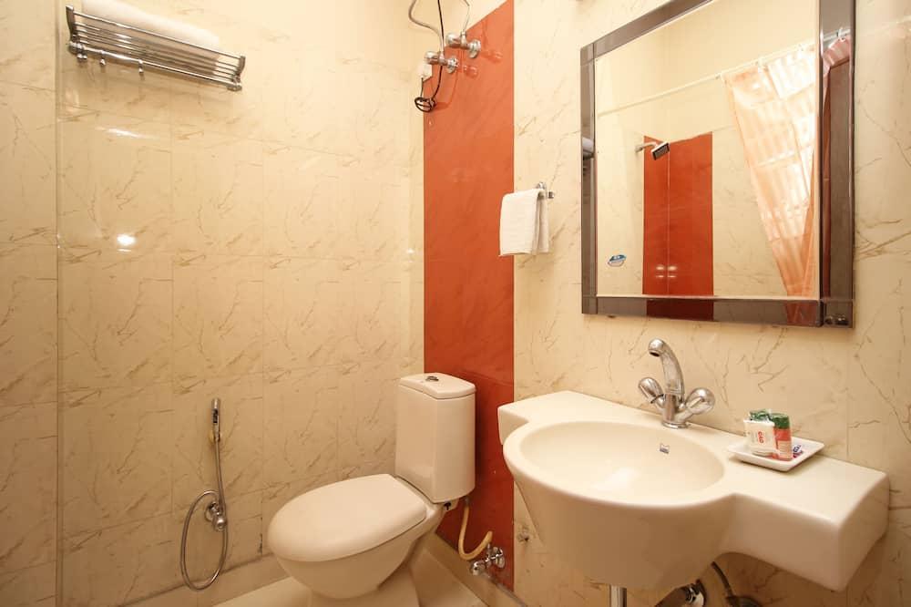 Standard kahetuba, 1 kahevoodi, omaette vannitoaga - Vannituba