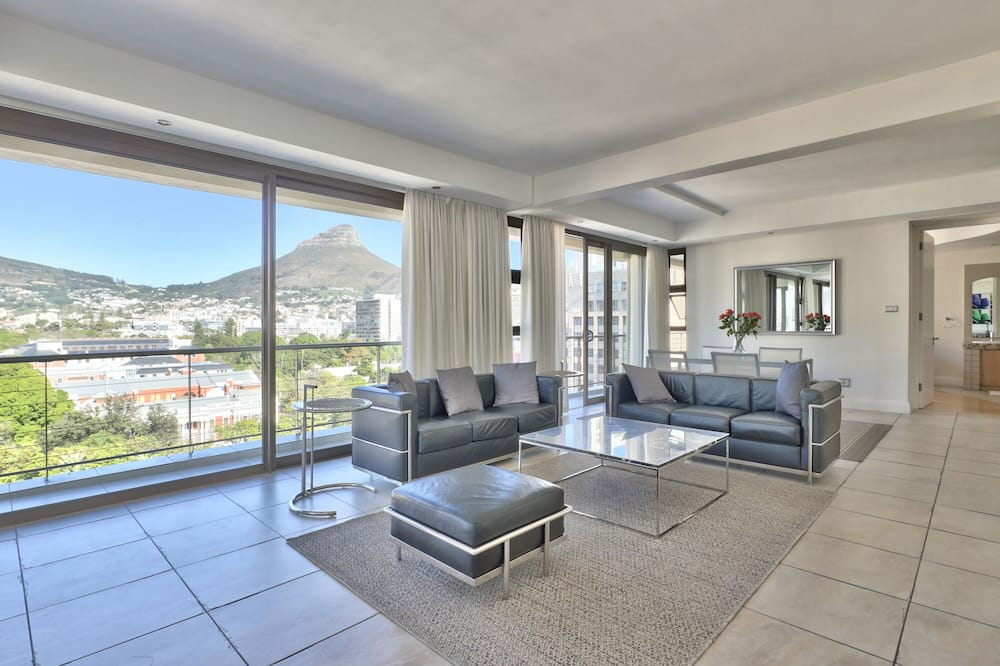Stunning Cape Town City Apartment - Lounge