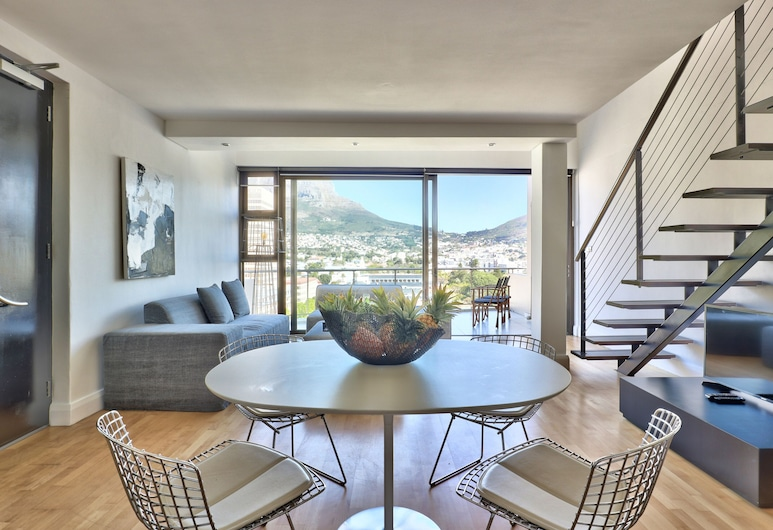Avenue One, Cape Town, Luxury Apartment, 2 Bedrooms, Non Smoking, Mountain View, Room