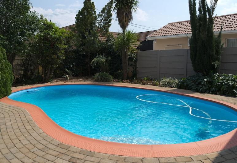 Pebble Fountain Guesthouse, Bloemfontein