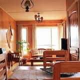 Apartamento estándar, 3 habitaciones - Comida en la habitación