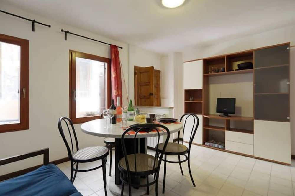 Duplex, 1 Bedroom - Living Area