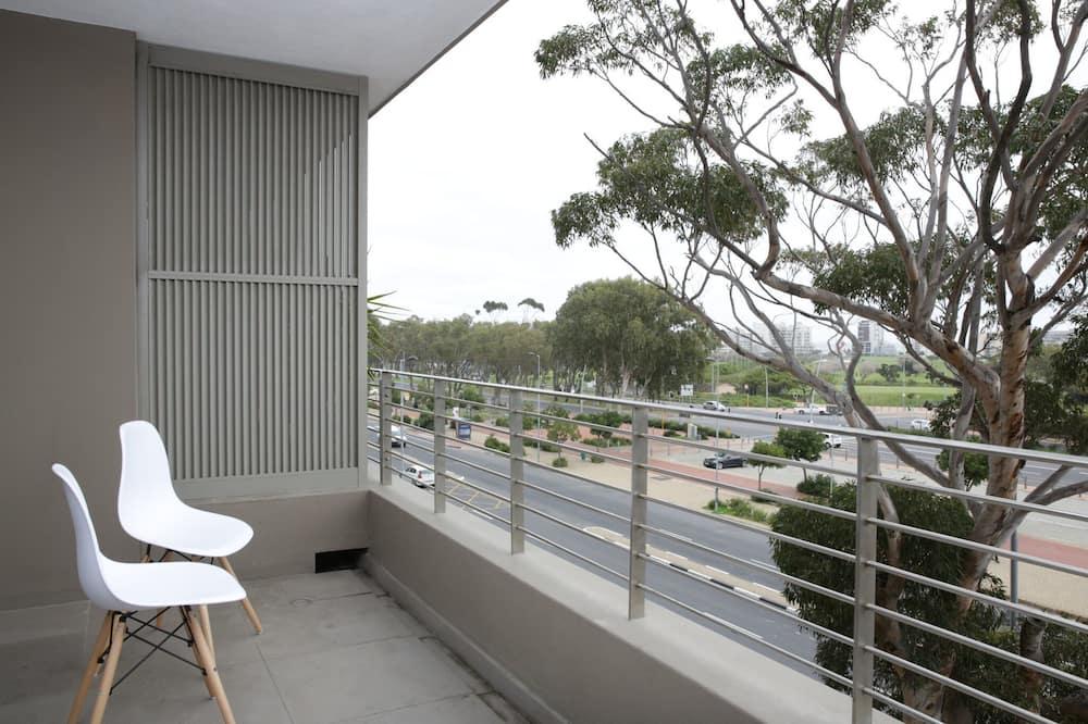 基本開放式客房, 1 間臥室, 城市景, 向海 - 露台