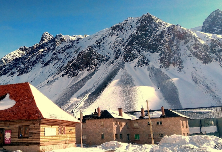 Portezuelo del Viento - Mountain Hostel, Las Cuevas, Hotel Front