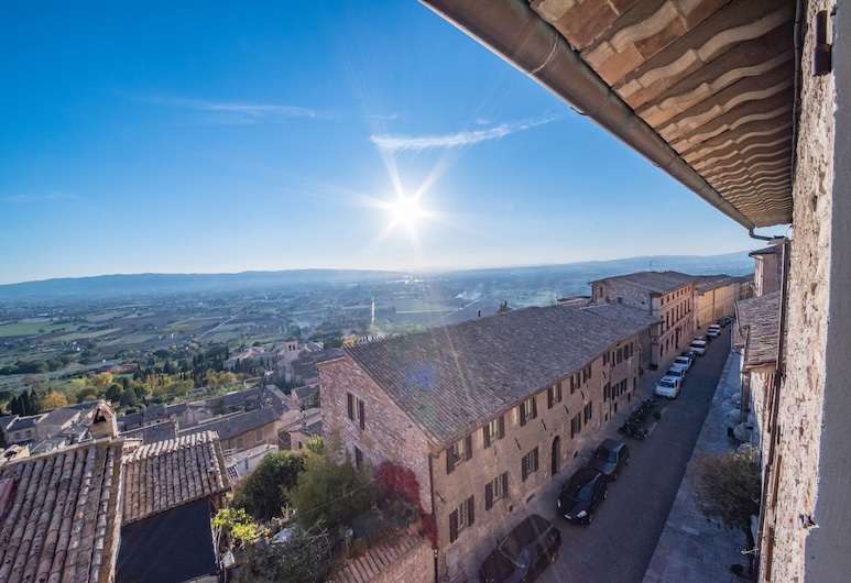 Il Palazzo, Assisi