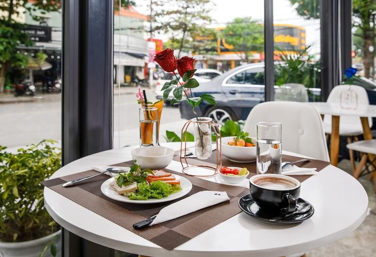 竹之酒店, 峴港, 餐飲