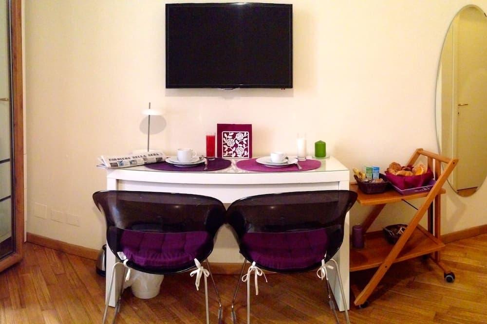 Comfort Δίκλινο Δωμάτιο (Double ή Twin), Ιδιωτικό Μπάνιο - Γεύματα στο δωμάτιο