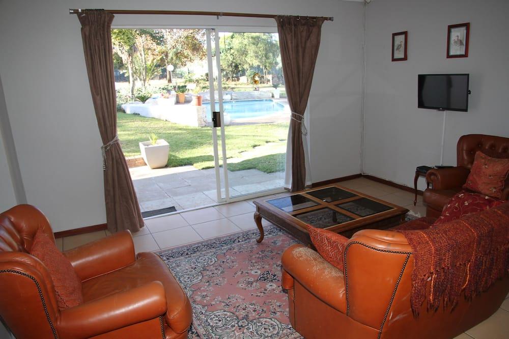 家庭平房, 1 間臥室, 泳池景觀 - 客廳