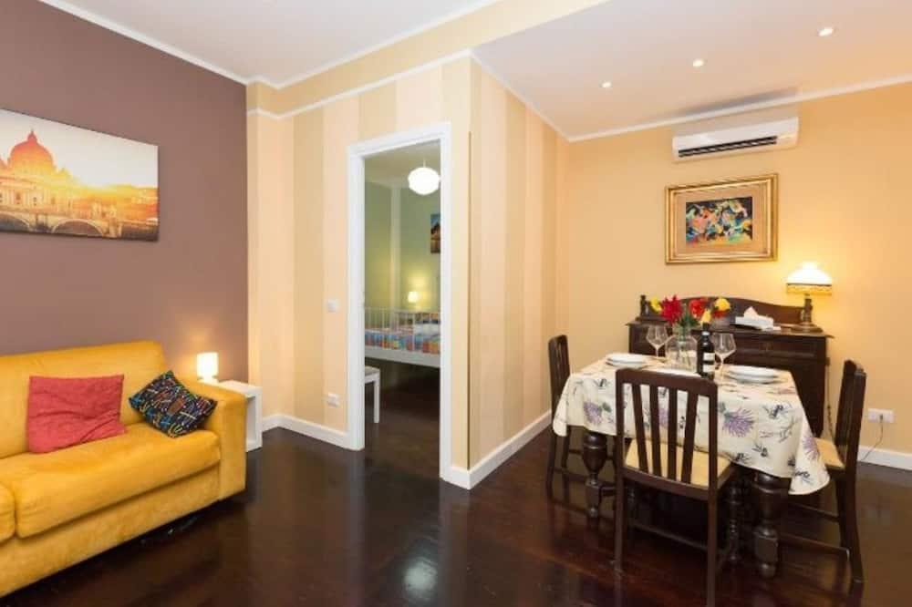 Apartment, 1 Bedroom, Balcony - Tempat Makan dalam Bilik