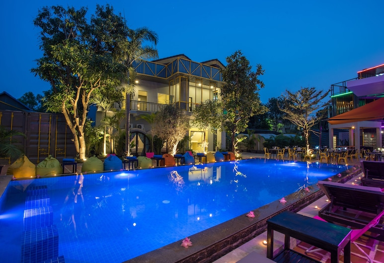 White Rabbit Hostel - Adults Only, Siem Reap, Outdoor Pool