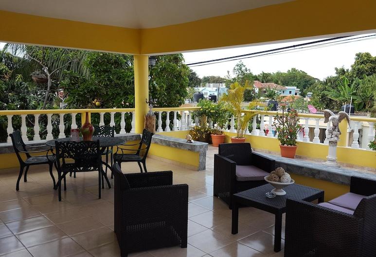 貝拉薩沃尼薩酒店, 拉羅馬納, Standard Room - Terrace, Garden View, 陽台