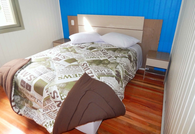 Chales da Serra Gaucha 02, Gramado, Exclusive House, 2 Bedrooms, Room