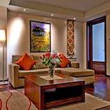 套房 (Atrium) - 客廳