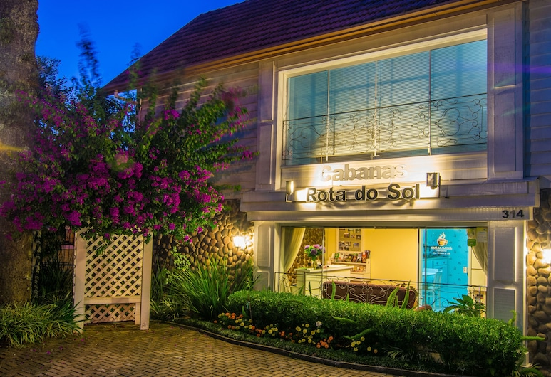 Cabanas Rota do Sol, Gramado, Hotellets front – kveld/natt