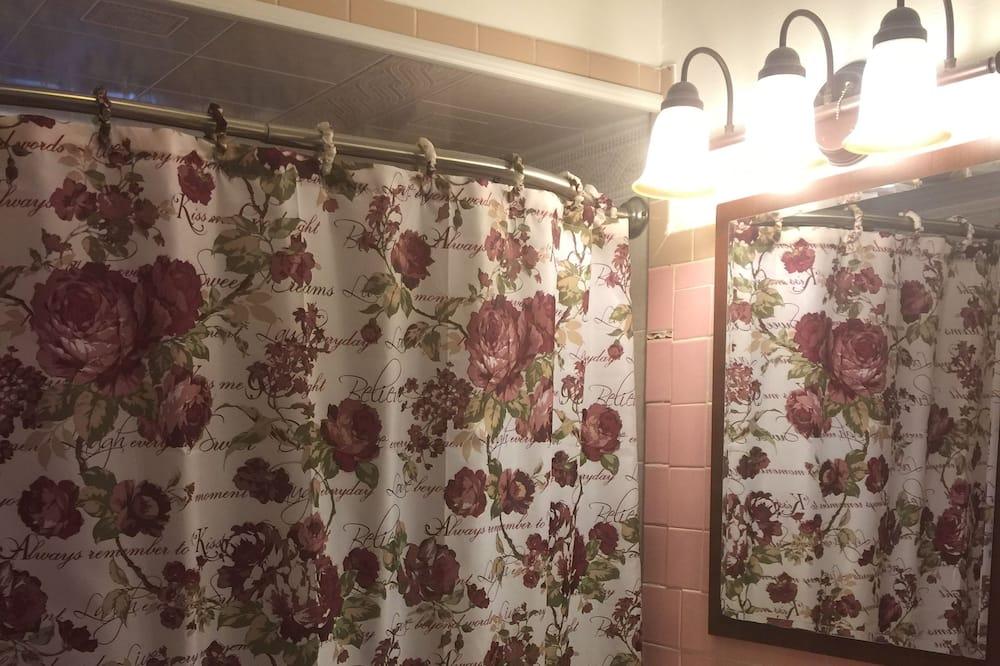 ヴィラ 6 ベッドルーム - バスルーム