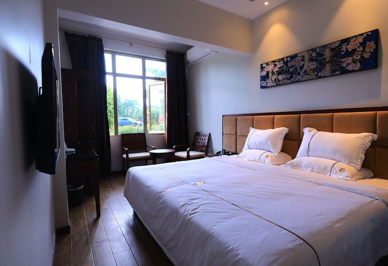 TF Seaside Hotel, Saipan, Standard Double Room, 1 Queen Bed, Guest Room