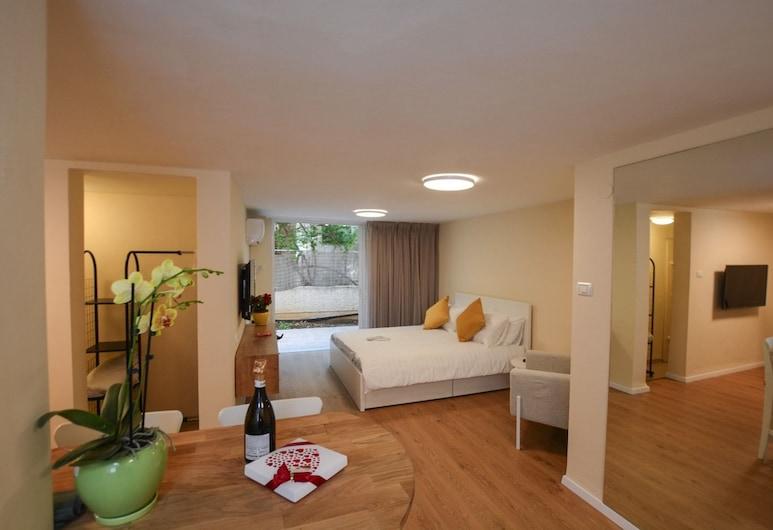 Rothschild Luxury Suite Haifa Israel, Haifa, Luxury-Studiosuite, Terrasse, Zimmer