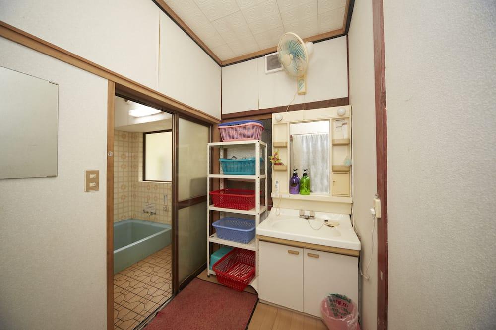傳統客房 (Japanese Style, Shared Bath Room) - 浴室