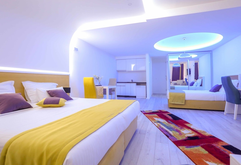 HOTEL LIBRIS boutique, Sarajevo, Family Room with Terrace, Guest Room