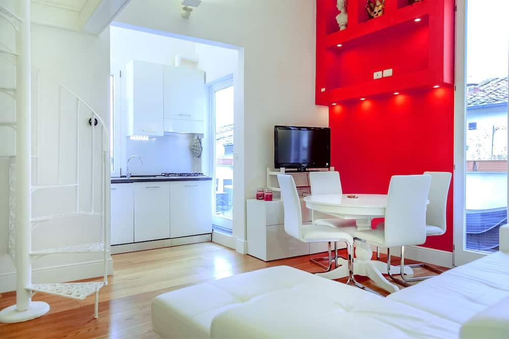 Panoramic Apartment, 3 Bedrooms (Location: Borgo San Jacopo 15) - Living Area