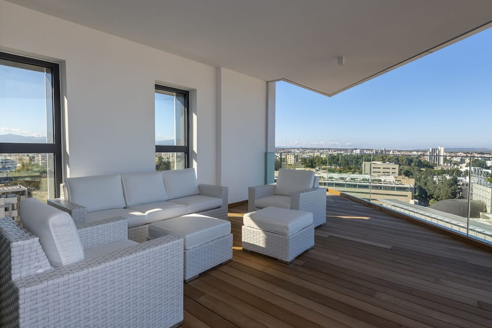 Executive Apartment, 3 Bedrooms - Balcony